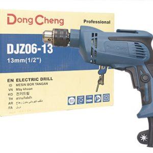 Thông số kỹ thuật: Điện áp vào: 220V/50Hz Công suất máy: 710W Tốc độ không tải: 0-2800 V/P Khả năng khoan tối đa: Với thép: Đường kính mũi khoan tối đa là 10mm Với gỗ: Đường kính mũi khoan tối đa là 25mm Khối lượng tịnh: 2 kg Bảo hành: 6 tháng Xuất xứ: Trung quốc